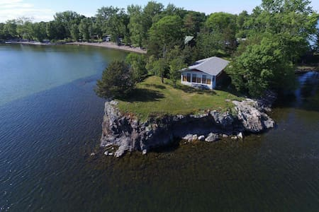 Lakehouse on a Bluff with Breathtaking Views! - Saint Albans - Haus