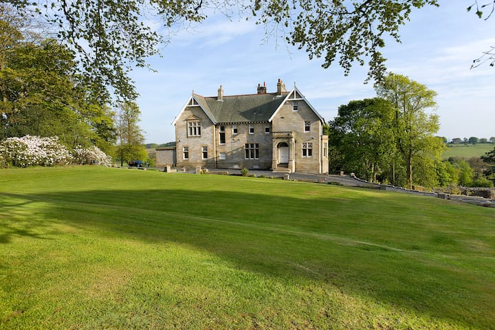 Fabulous country house, 30 minutes from Edinburgh