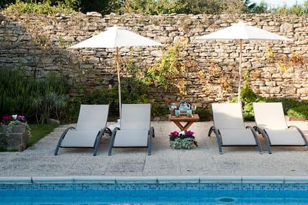 Grande maison avec piscine - Saint-Hilaire-de-Brens - Talo
