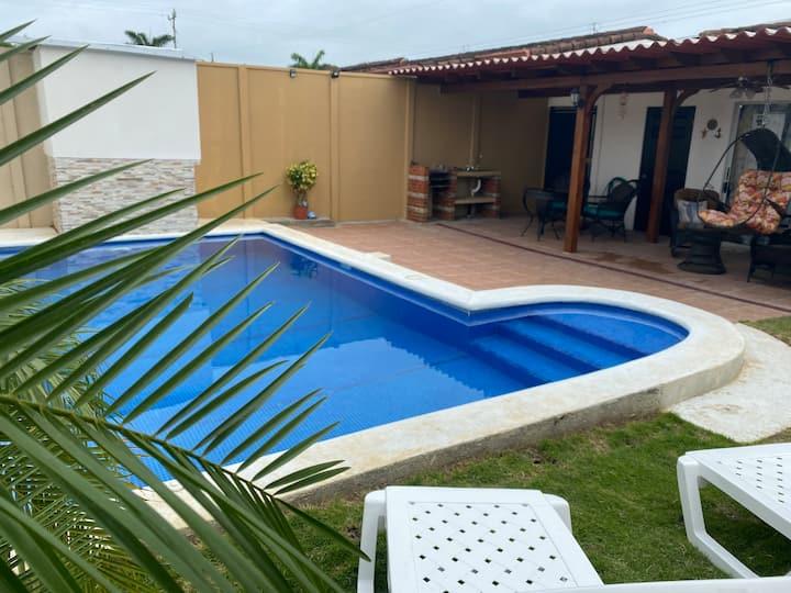 Casa de playa con piscina privada