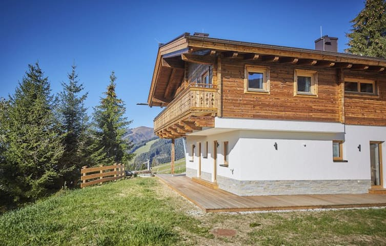 Mountain Chalet Ederalm