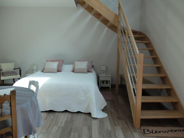 Marcey les grèves chambre+ mezzanine confortables - Marcey-les-Grèves - Domek gościnny