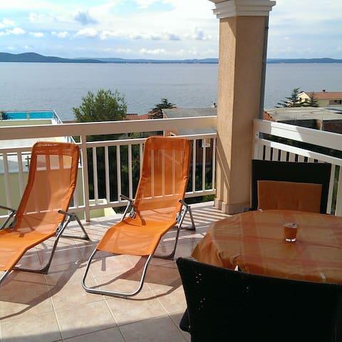 Studio 3 People- Sea View Terrace