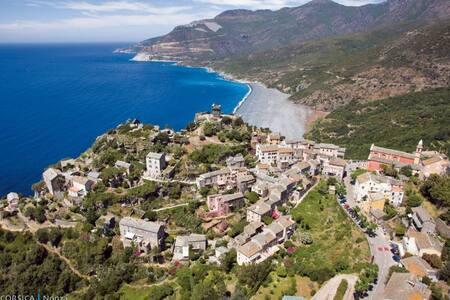 Maison à Nonza, Perle du cap Corse