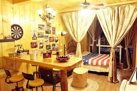美式田园风木屋酒吧投影主题空调房