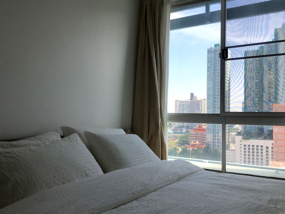 Master Bedroom with city view