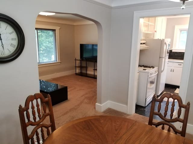 Economic, Comfy, Clean and Safe duplex in Pontiac
