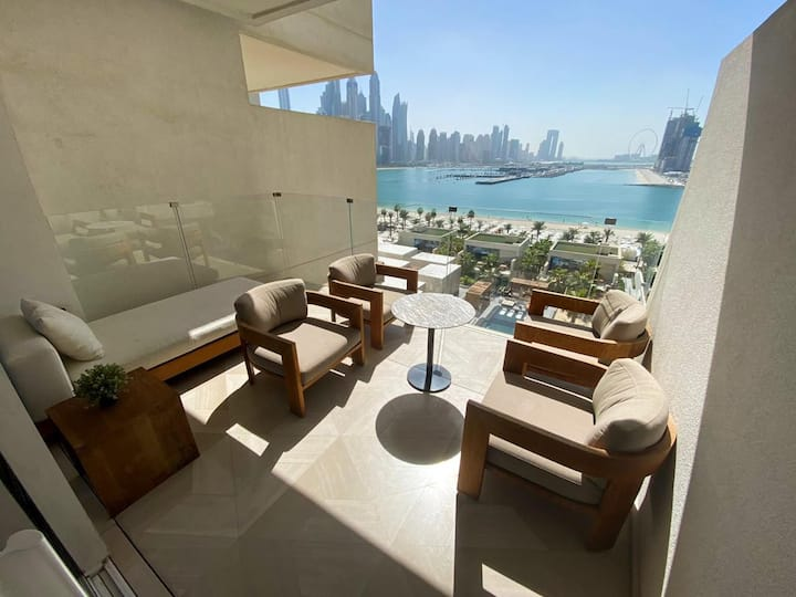 Extraordinary Two Bedroom in FIVE Palm