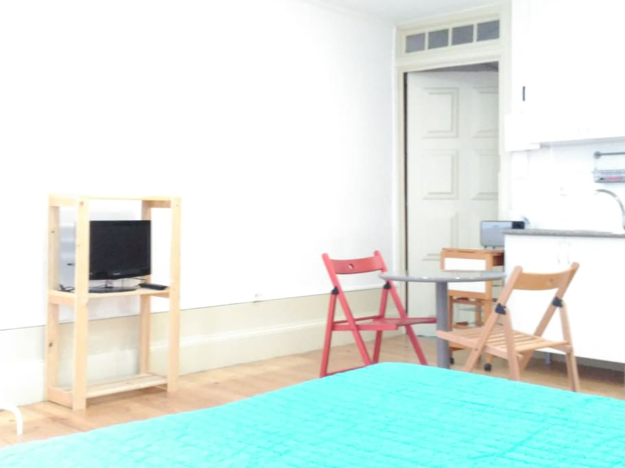 Studio with wi fi and cable TV included