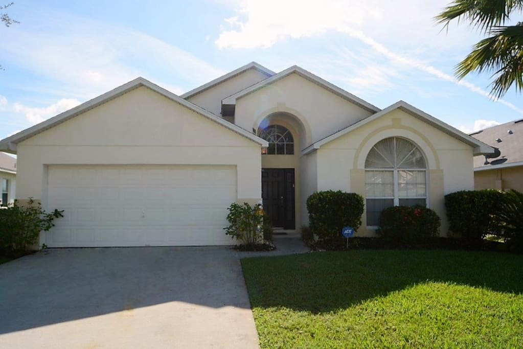 4 Bed Pool Home Kissimmee Florida