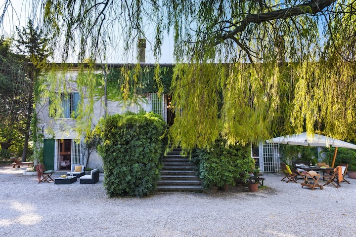 Rustic Mansion in Senigallia with Barbecue