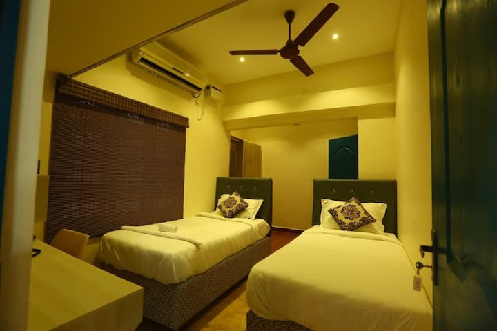 STR · STR · Double Room with Twin bed and Free Airport Drop