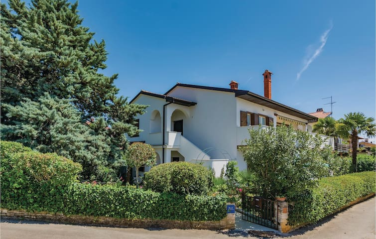 Beautiful home in Novigrad with WiFi and 0 Bedrooms