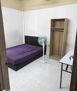 Medium size room in an apartment is available now