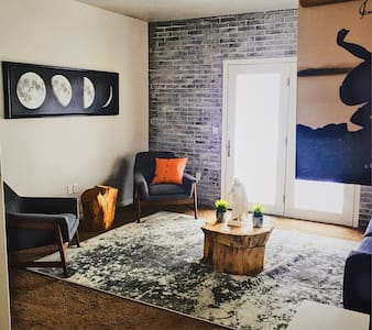 Modern Rustic Townhome.  Stay in Style!! - Lehi