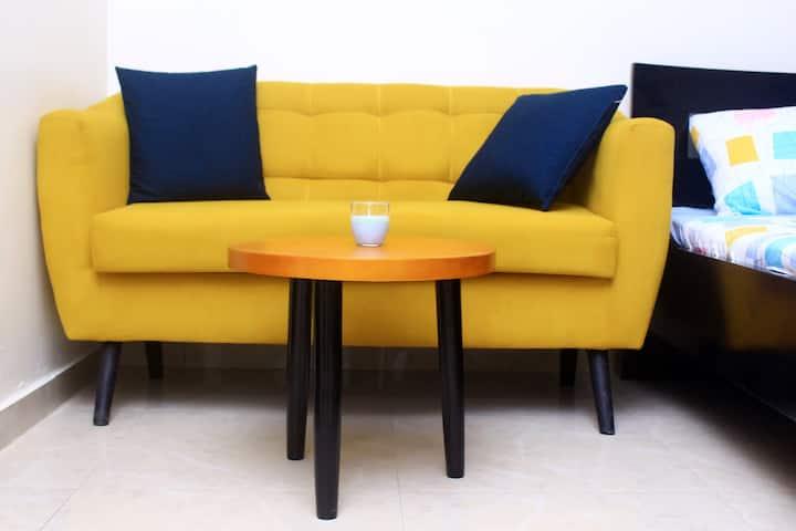 Studio meublé à Abidjan Yopougon Petit toit rouge