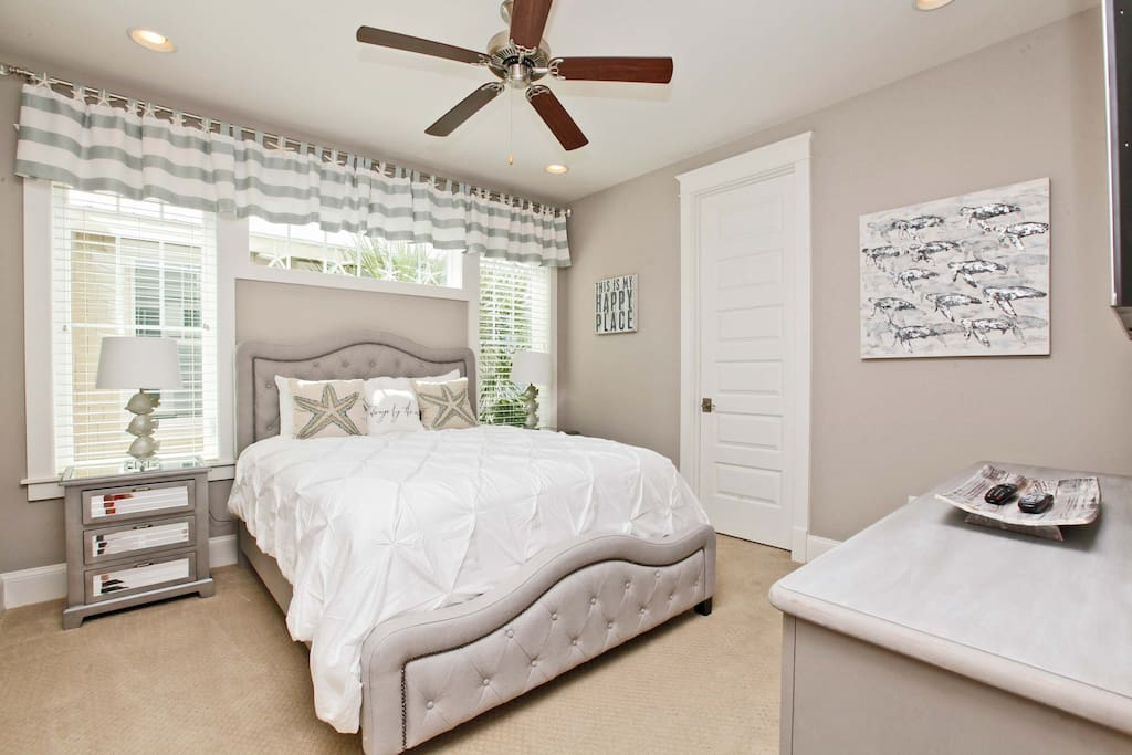 Beautiful and comfortable 3rd bedroom