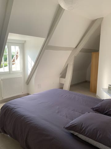 Chambre 2 avec lit 140 (étage)