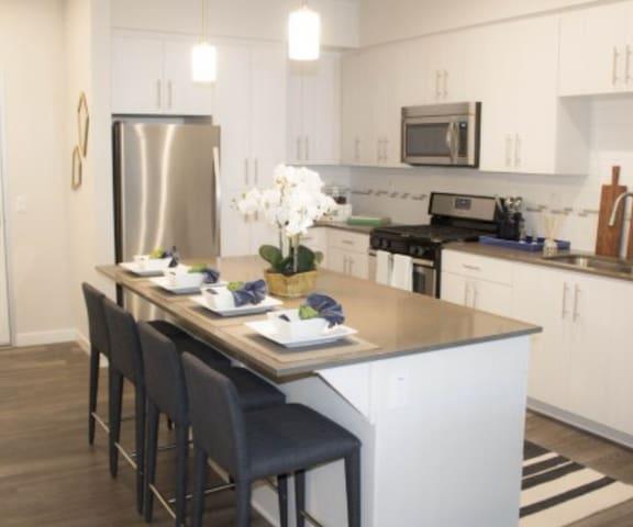 Brand New!!! - Ontario - Apartment