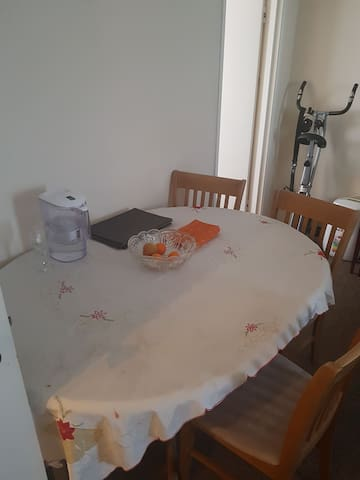 Clean home in quiet location, close to city centre