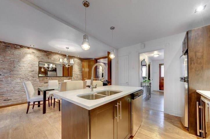 Chambre avez terrasse et salle de bain privés - Montréal - Leilighet