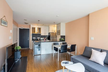 Budget 1Br next to Arena+ free parking