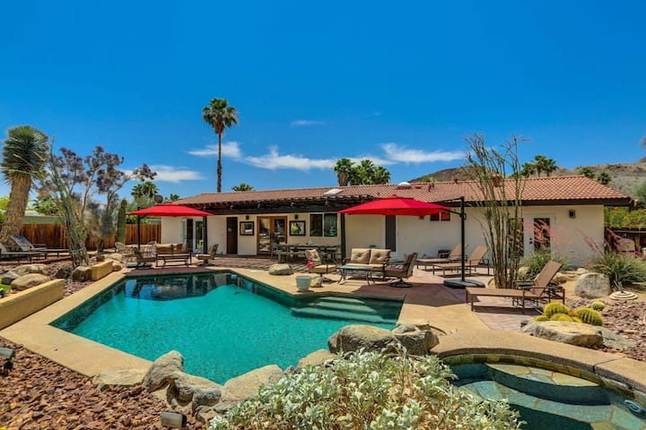 Desert chic home w/ a private hot tub, pool, & gas grill - dogs welcome!