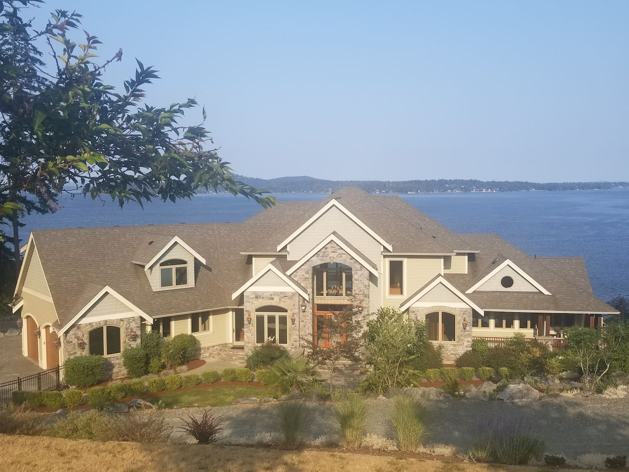 Oceanfront Villa overlooking Satellite Channel, Mill Bay, Cowichan Bay and the Gulf Islands