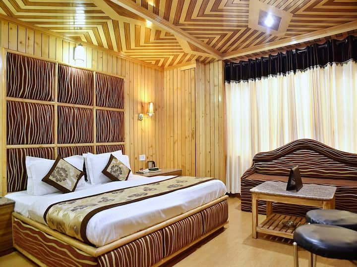 Honeymoon Suite at Hotel Chaman Palace