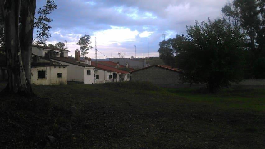 Casa rural, cerca sierra de Aracena - El Castillo de las Guardas