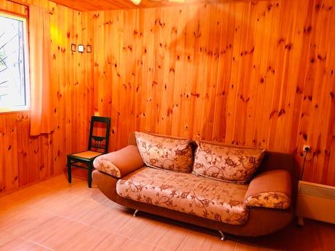 Уютный домик для отдыха вблизи водохранилища