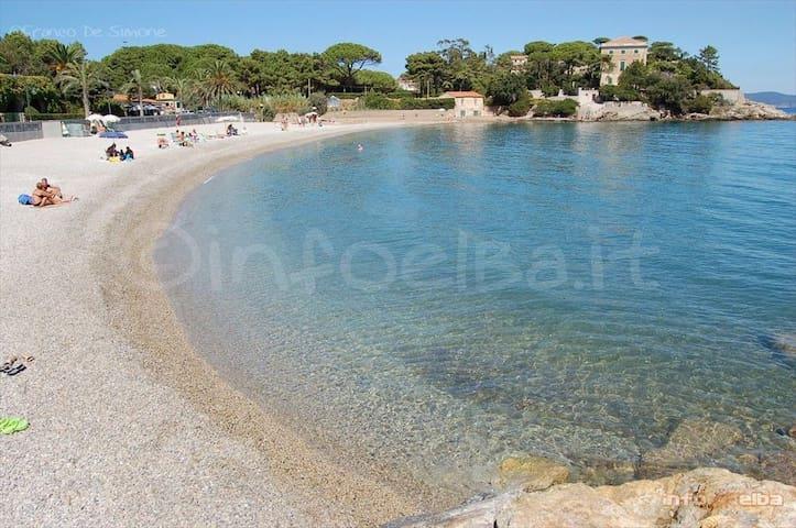 Isola D'Elba Tuscany apartment in villa 200m  mare