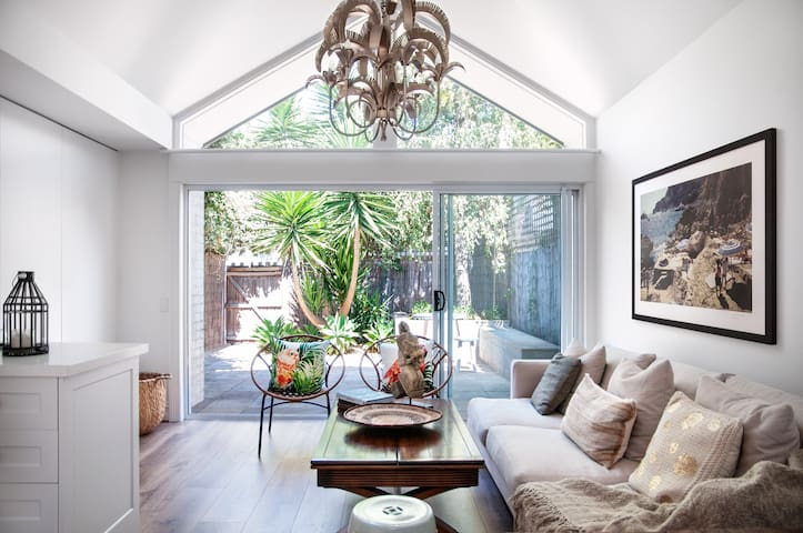 Beautiful, zen retreat in chic South Yarra