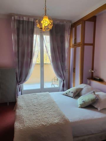 Chambre double, terrasse privée et baignoire
