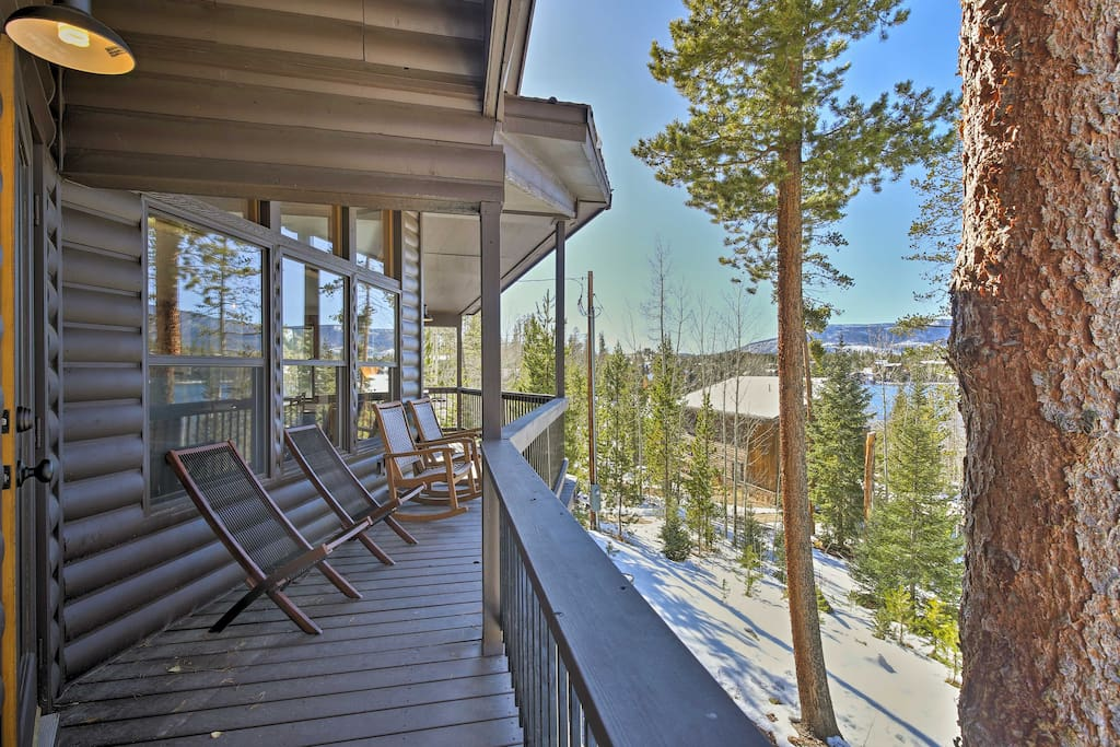 This 2,500-square-foot home in Grand Lake boasts a furnished viewing deck.