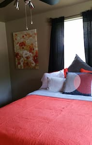 """Cozy Private Bedroom w/Queen Bed, 46"""" TV and Frig - Haus"""