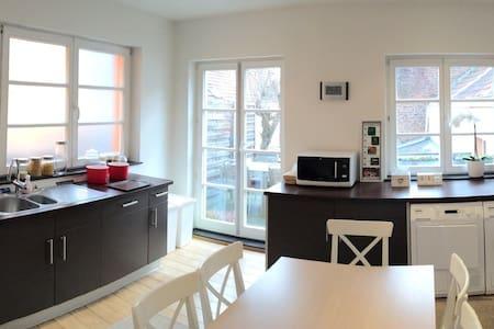 Triplex plein de charme à Stockel - Kraainem - Apartament