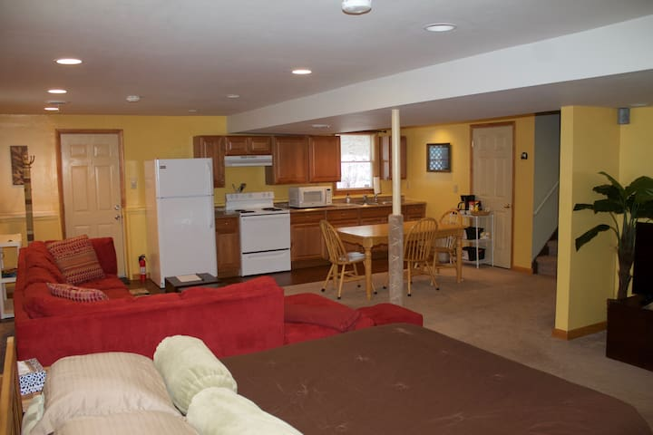 Studio Apt close to SUNY Brockport & Erie Canal