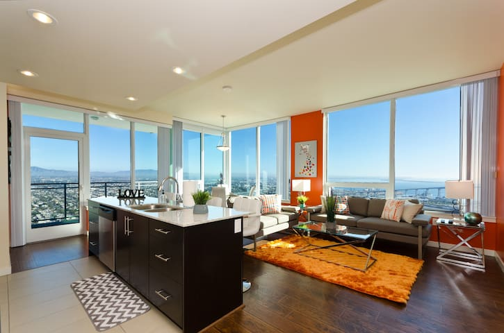 Downtown San Diego Memories 3 Bedroom Penthouse