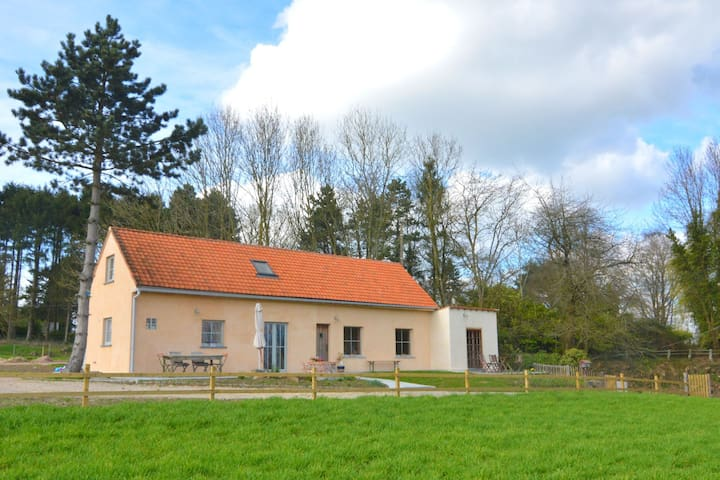 Nice house in the Flemish Ardennes with a great view of the countryside