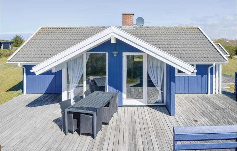 Holiday cottage with 3 bedrooms on 72m² in Ringkøbing