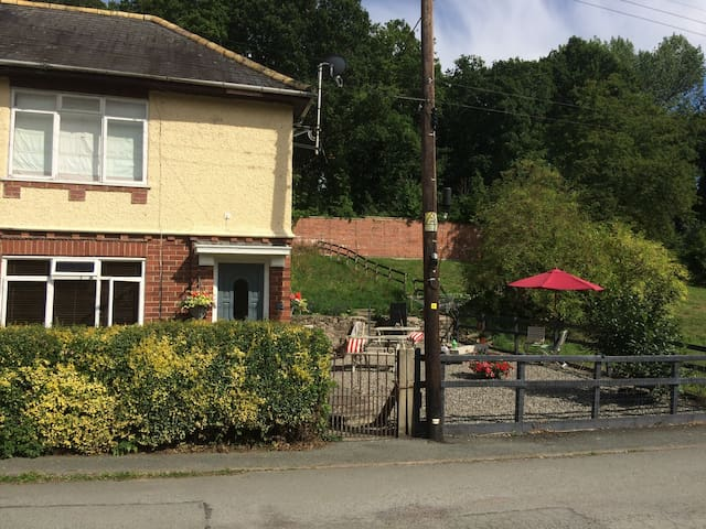 Private Home nr. Llangollen Chirk and Pontcysyllte