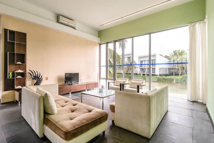 现代式河景五房二厅度假别墅