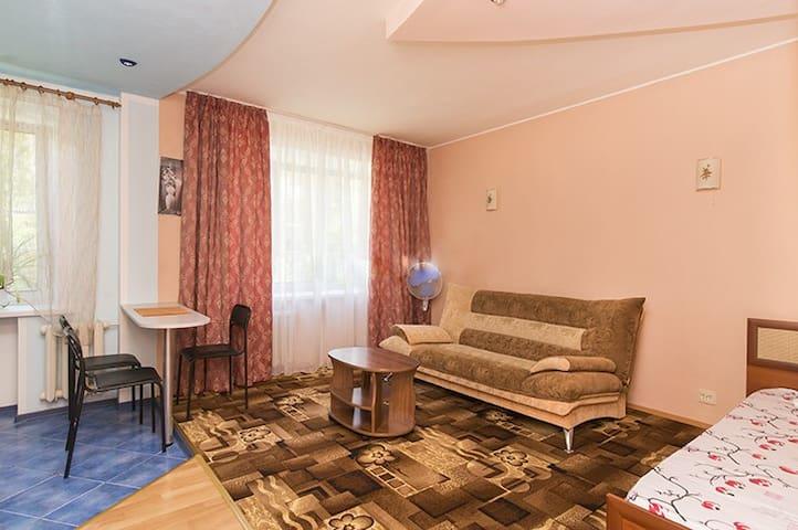 Уютная квартира возле Храма на Крови, Ж/Д вокзал