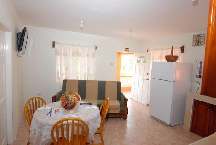 J & G's Tropical Apartments - Bon Accord - Wohnung