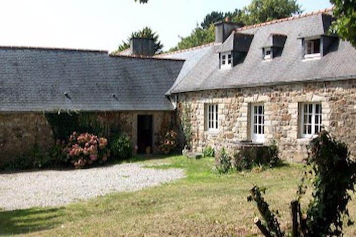 Jolie maison bretonne presqu'île de Crozon 6 pers - Crozon - House