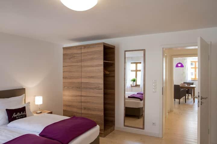 """Hollerhöfe """"Zu Gast im Dorf"""" (Kemnath), 2 Zimmer Apartment mit kostenfreiem WLAN und gemütlichem Wohnraum"""