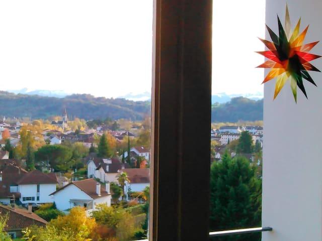 Confortable T2 avec vue sur les Pyrénées