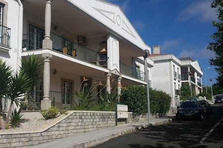 Appartement Rez de Jardin - Lourinhã - Appartement