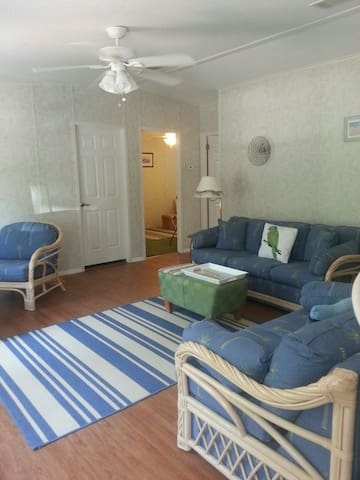 Beach Haven,walking/bike trails. A+ - Palm Coast - Apartment